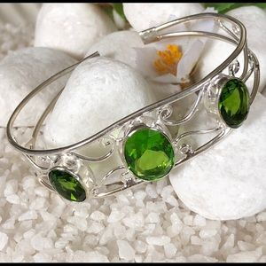 Jewelry - 🛍✨GREEN TOPAZ CUFF BRACELET 🛍✨🎀